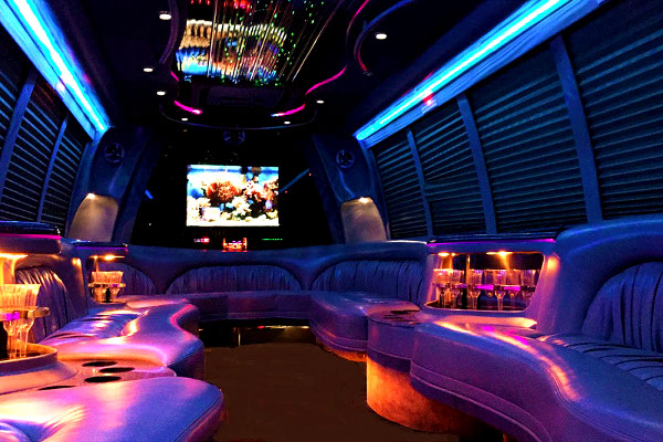 Augusta 18 Passenger Party Bus