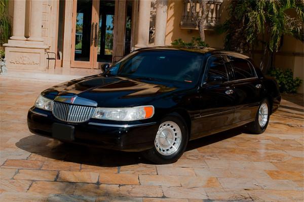 Lincoln Sedan Augusta Rental
